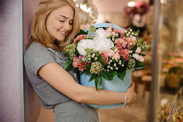 Быстрая доставка цветов и букетов